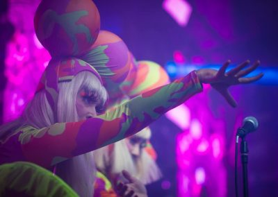 Pirouette-The_Shows-Neon-01