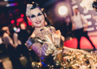 Pirouette-The-Shows_Fille-de-Champagne-10
