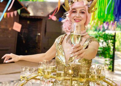 Pirouette-The-Shows_Fille-de-Champagne-5